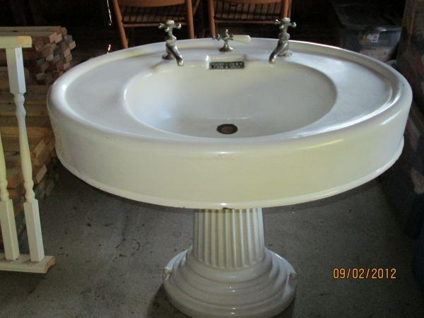 Oval Pedestal Sink : Oval Pedestal Sink antique Pinterest