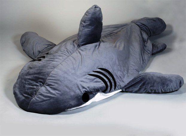 chumbuddy the shark sleeping bag 6 39 5 in length shark sleeping bag