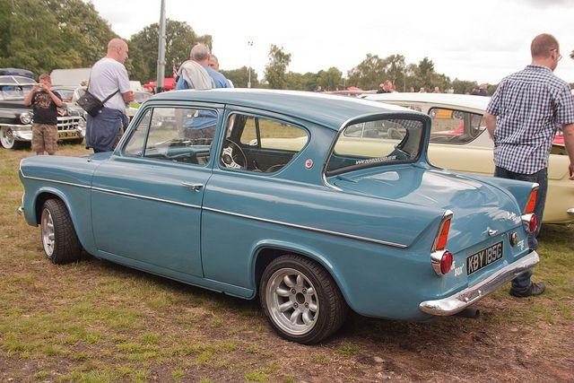 105E Ford Anglia