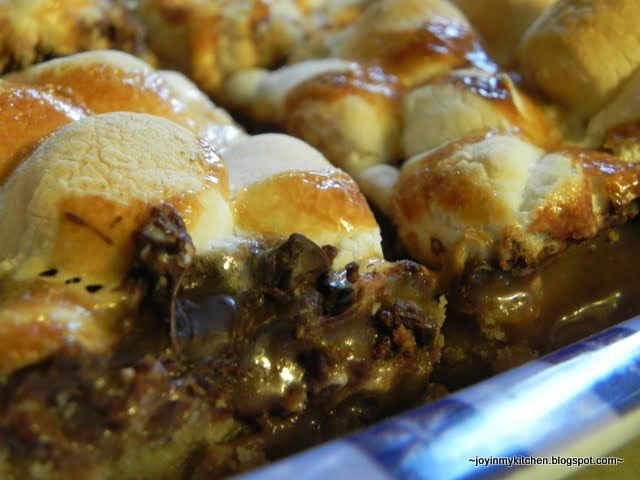 Toasted Marshmallow S'mores Bars | desserts and baked goods | Pintere ...