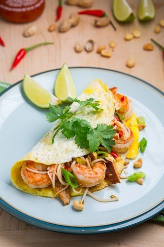 Pad Thai Omelette by closetcooking: Yum! #Omelette #Pad_Thai # ...