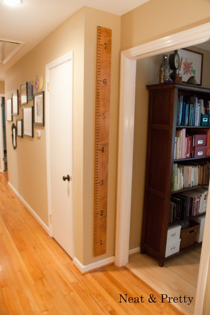 Measuring board to measure height