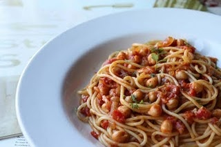 spaghetti with spiced chickpeas #dinner Everyone always says I'm weird ...
