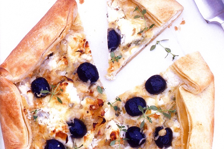Leek, goat's cheese and olive free-form tarts