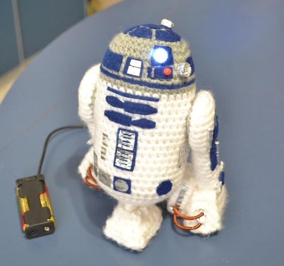 Amigurumi R2d2 Pattern : R2D2 amigurumi pattern amazingballs. Crochet toys ...