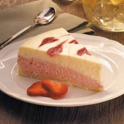Strawberry Swirl Cheesecake Recipe | Foods | Pinterest