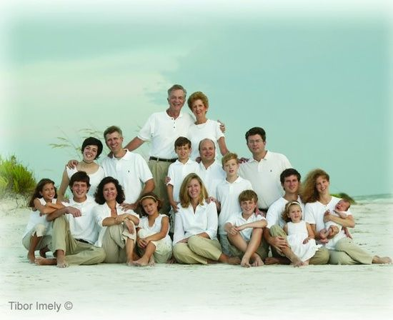 Large family photography poses photo ideas large group for Photoshoot ideas for groups