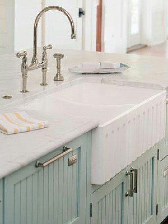 Franklin Kitchen Sinks : More like this: kitchen renovations , apron sink and farmhouse sinks .