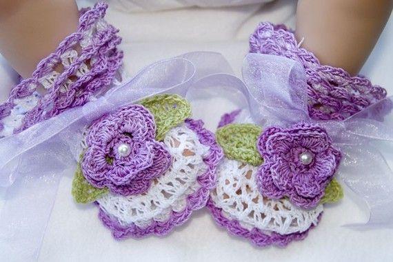 Cheryls Crochet CC37-Fancy Lace V-St Baby Bootie Pattern