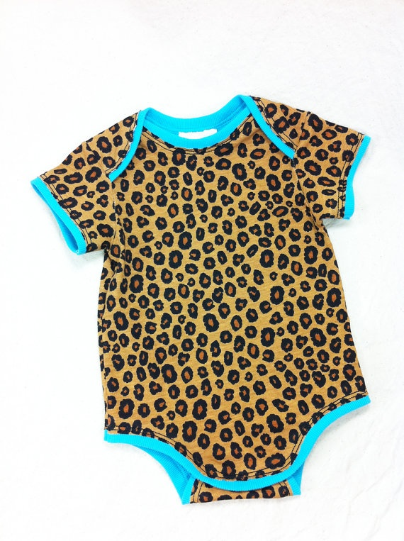 if I have a girl this may be my first outfit I buy... so cute<3