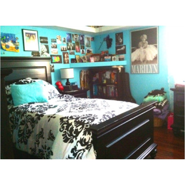 marilyn monroe and a cute room win ideas for bedroom