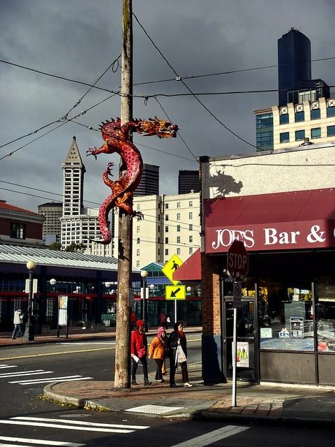 SoDo, Ciudad de Seattle, WA, A Sense of Scales The sculpture was ...