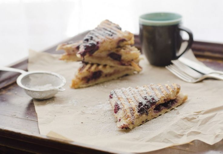 ALMOND BUTTER AND BLACKBERRY FOCACCIA PANINI /by rosewater & Thyme #vegan #recipe