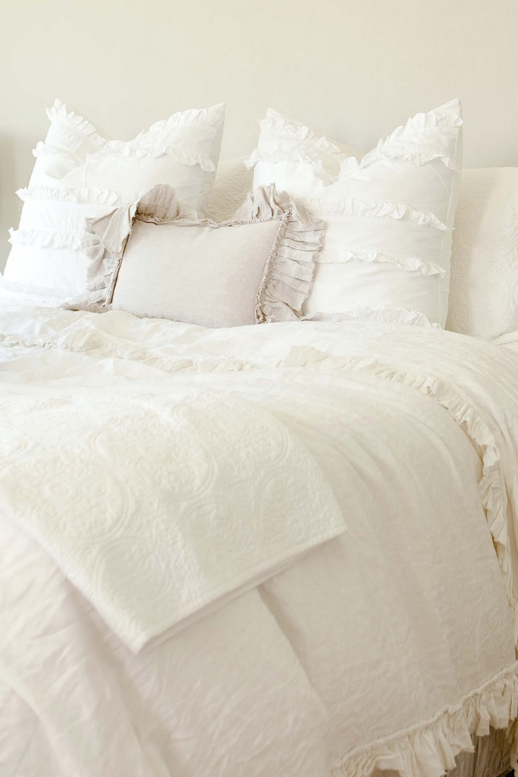 White ruffled bedding home beautiful pinterest for Frilly bedspreads
