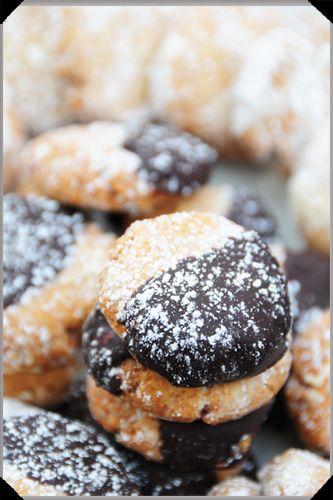 Almond, honey and orange shortbreads | Simple Shortbread | Pinterest
