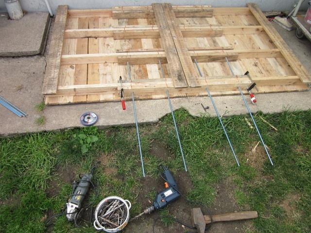 Fabriquer une cabane en bois avec des palettes for Fabriquer un abri de jardin avec des palettes