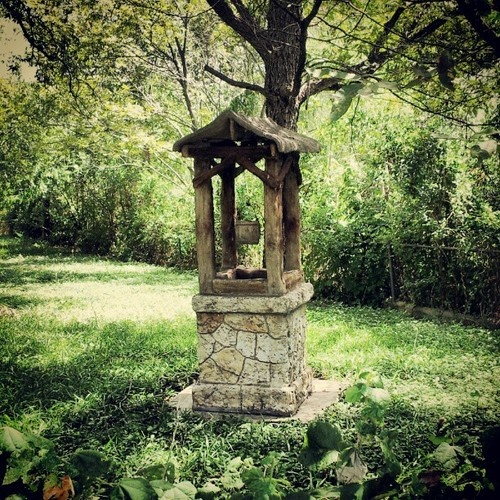 Old Fashioned Water Well Photography