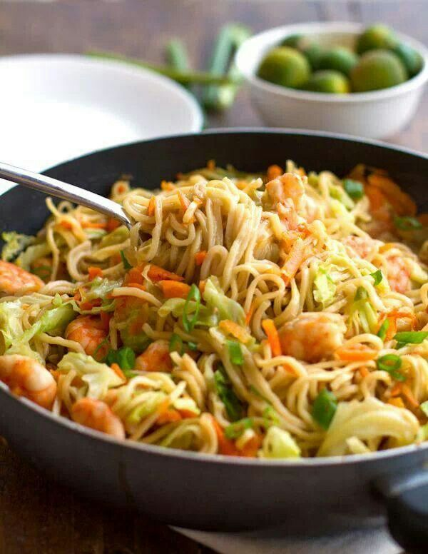 Stir fried shrimp & noodles | Tasty looking food | Pinterest