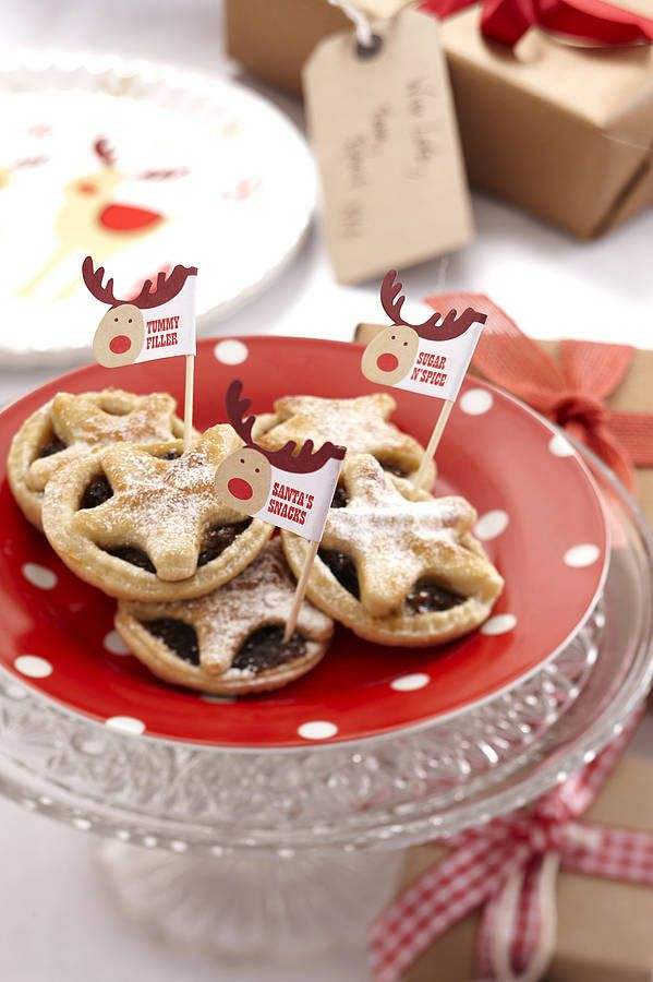 Rocking reindeer mince pie flags