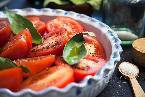 slow roasted plum tomatoes / www.bitebymichelle.com