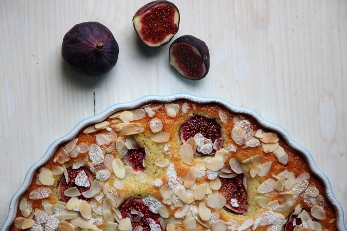 fluffy fig & almond breakfast cake | Cakes & Tartes & other sweet...