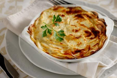 Potatoes au gratin with yoghurt sauce lighter in taste and calories ...