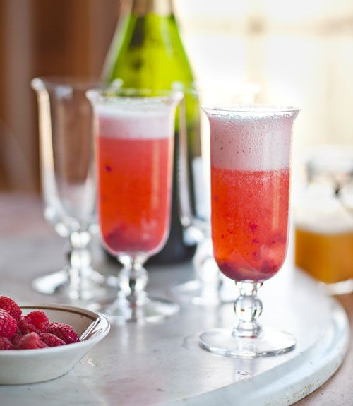 ... have brunch without a great drink! We love this Peach Melba Mimosa
