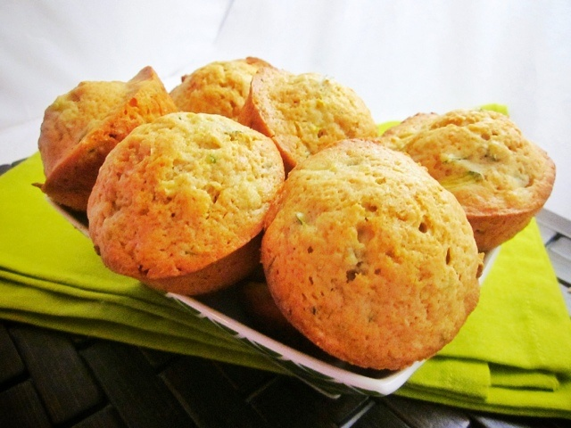 Cinnamon Spiced Zucchini Muffins | Healthy eating, full flavor | Pint ...