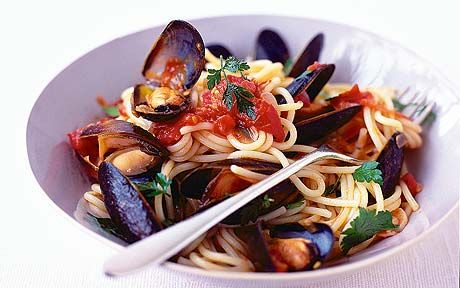 Spaghetti with mussels and tomatoes - Telegraph