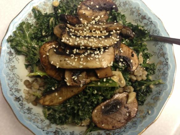 Spicy Peanut Portobello Kale Rice Bowl | Meals | Pinterest