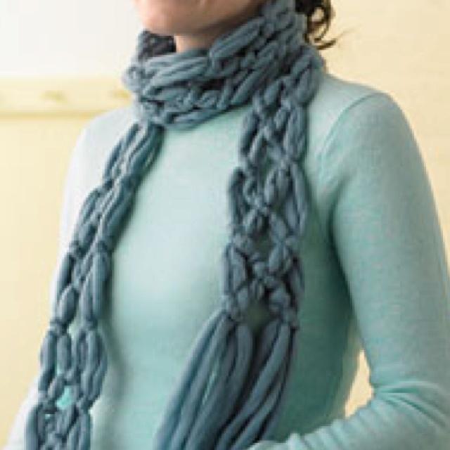 No Knit Scarf Patterns : Yarn Scarf No Knitting - Bing images