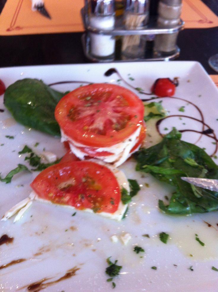 ... Escondido comida italiana de toda la vida #marbella @hostaltiomateo