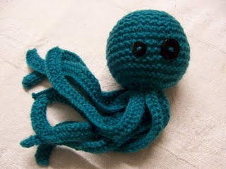 Knitting Pattern Octopus Toy : cute knit octopus! Knitting and (soon to be) crocheting ...