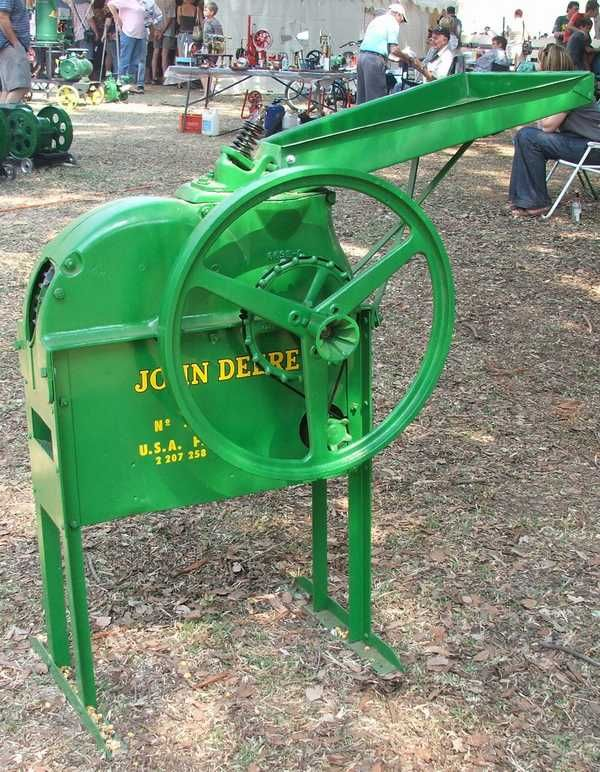 John Deere Corn Sheller