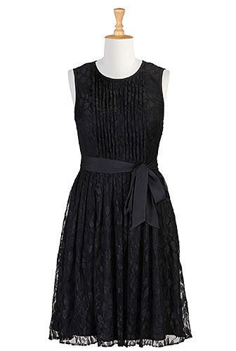I <3 this Tux front lace dress from eShakti
