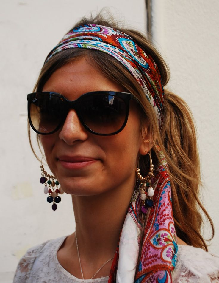 Accessories: leisure setting, big glasses and scarves in hair, on shoulders or in neck line