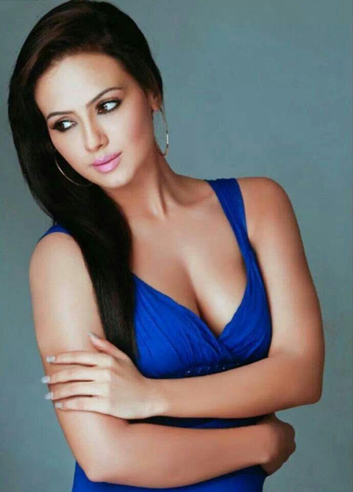 Sana Khan | Celebrities | Pinterest