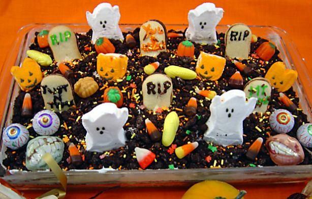 Easy Graveyard Cake