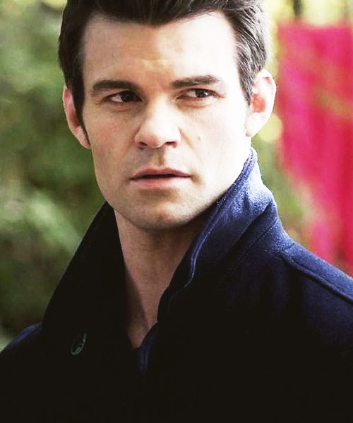 elijah mikaelson how tall