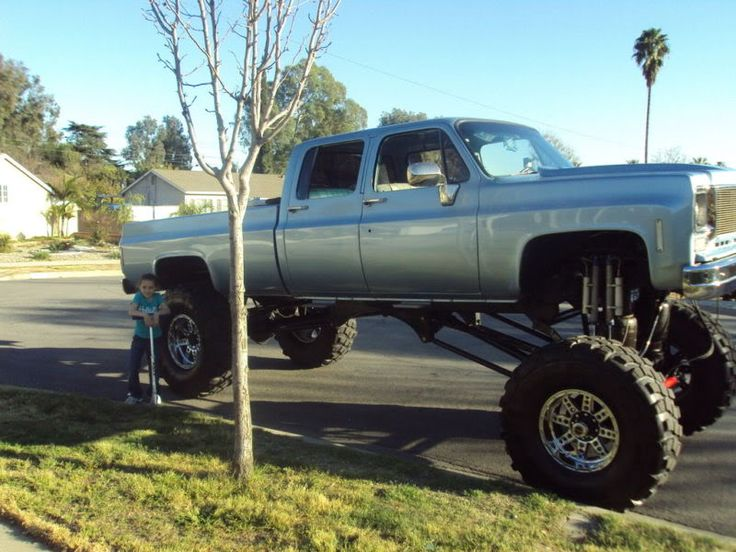 lifted square body chevy crew cab autos post. Black Bedroom Furniture Sets. Home Design Ideas