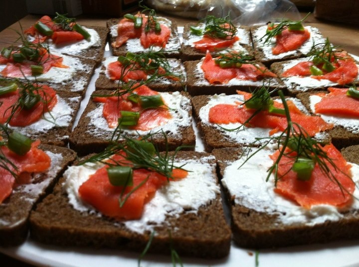 Smoked Salmon Open Face Sandwich | O.M.G! That looks SO good. | Pinte ...