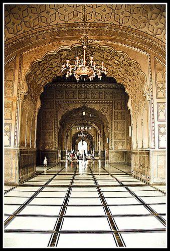 inside view of Badshahi Mosque  Lahore Inside Badshahi Mosque
