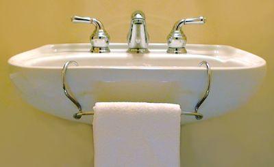 pedestal sink towel bar toweltender one option since i can 39 t