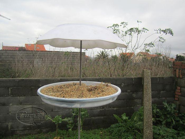 Comedero para pajaros de jardin mis manualidades y - Parasol de jardin ...