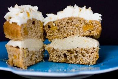 Maple Cinnamon Peach Ice Cream Cupcakes ~ Cupcake Project