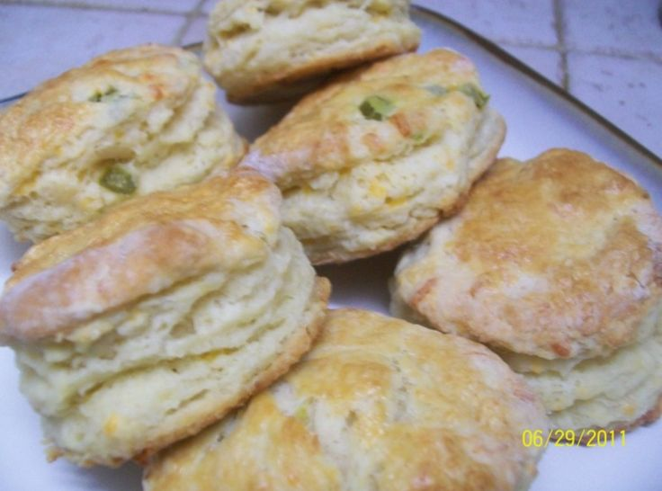 ... ! | Jalapeno and Cheddar Biscuits (not your grandmother's biscuits