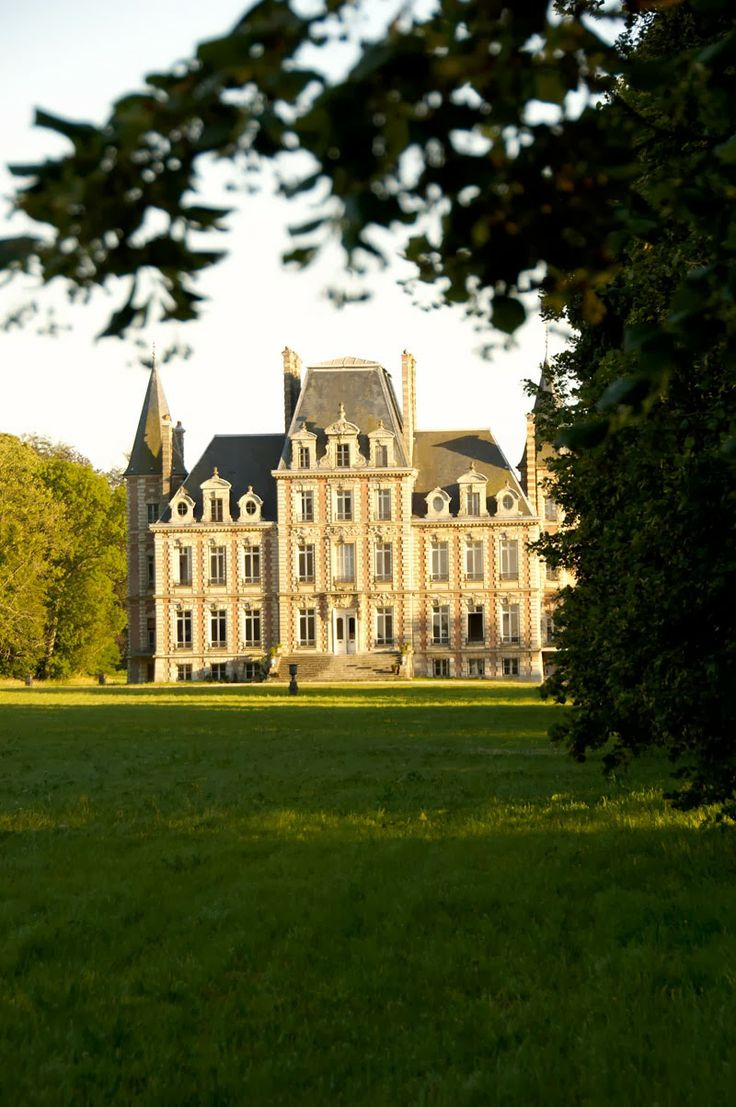 Chateau bosgouet normandy chateaux pinterest for Chateaux in france to stay