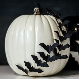 An easy no carve pumpkin decorating idea with black post board.  Full tutorial included.