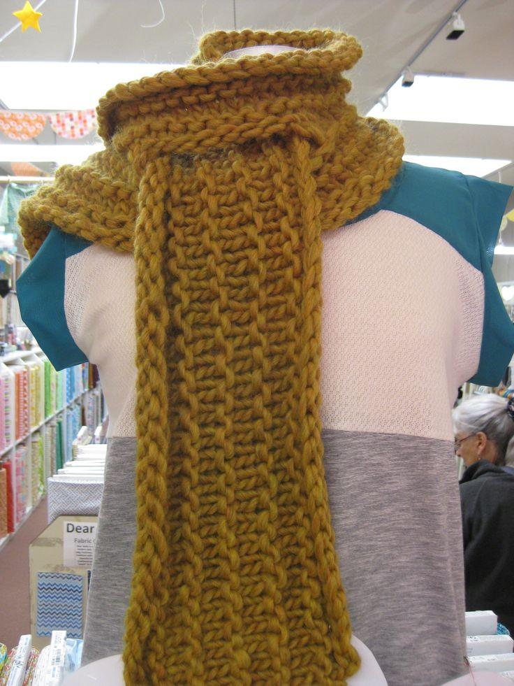 Knitting Scarf Tutorial : Easy chunky knit scarf tutorial scarfs pinterest