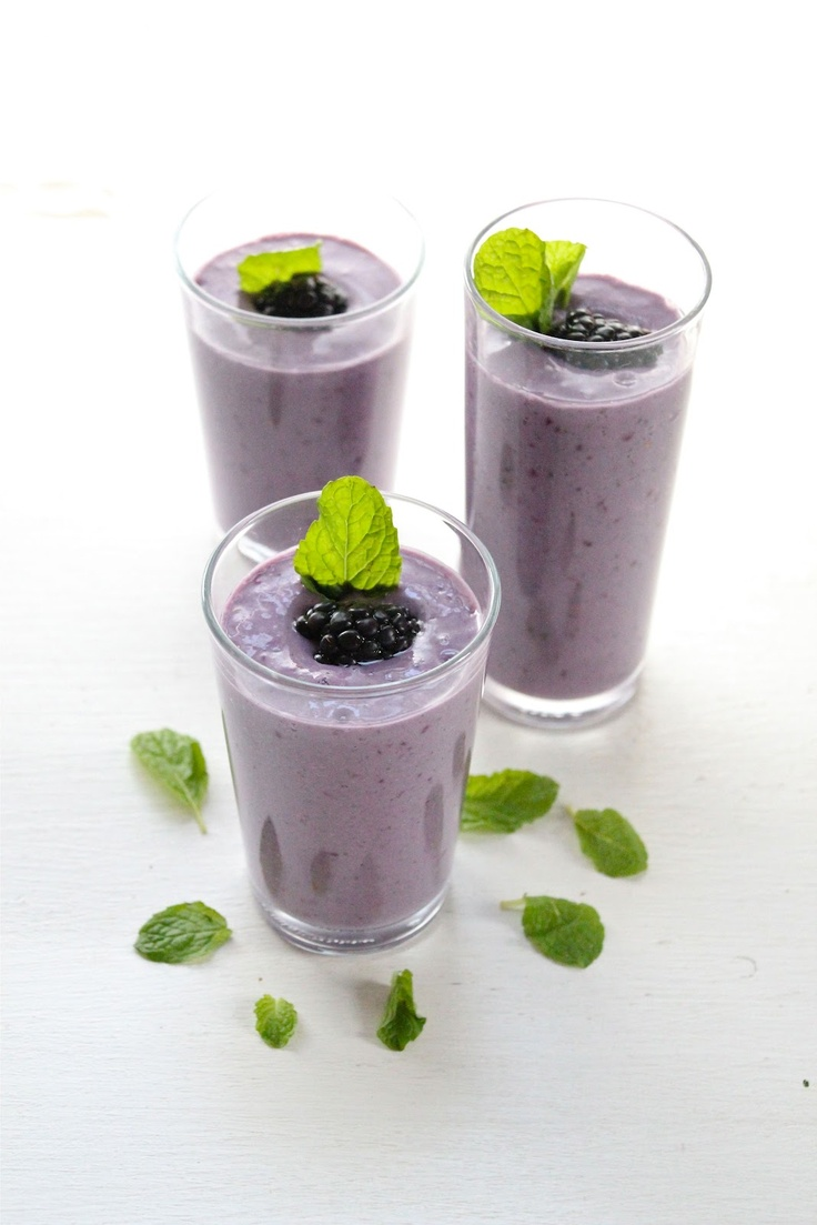 Life: Blackberry, banana and mint smoothie. Blend fresh mint leaves ...